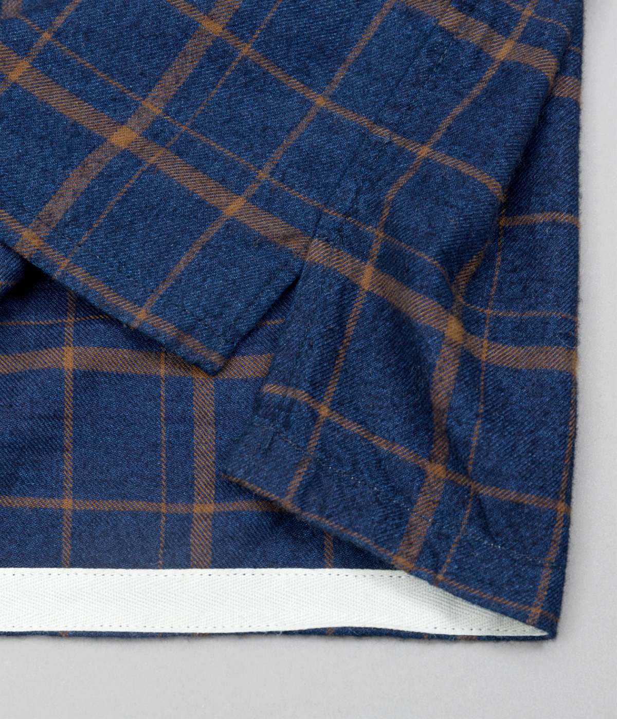 The Hill-Side Coupe Shirt, Indigo / Brown Flannel Check - Side Gusset