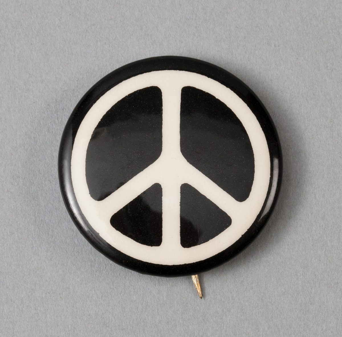 Vintage 1960s Peace Sign Pinback Button